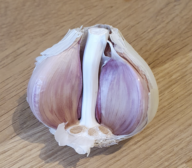 How many teaspoons is a clove of garlic?