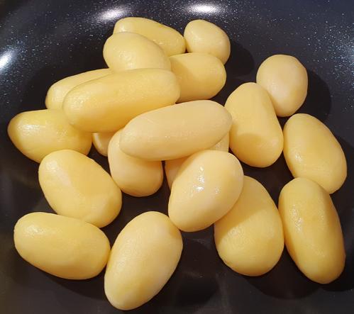 Can a rabbit eat potatoes?
